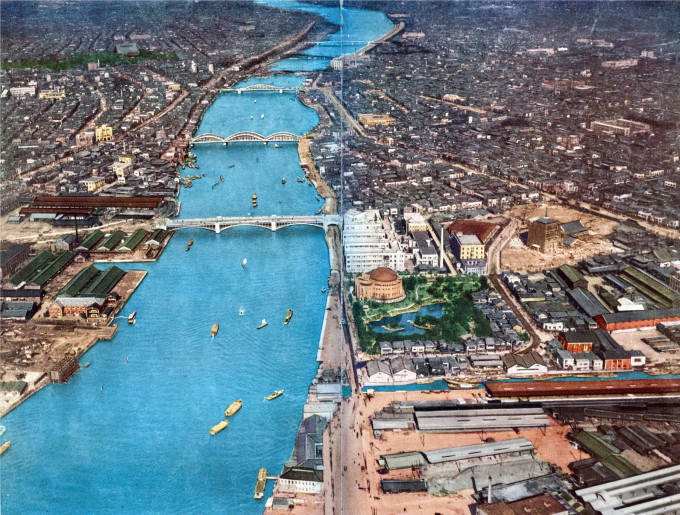 Aerial view of the Sumida River, c. 1930. At right-center is the Disaster Memorial Park.