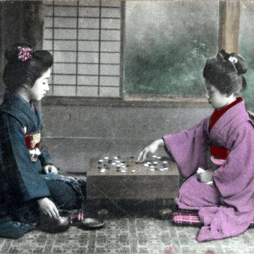 Onnanoko playing goh, c. 1910.